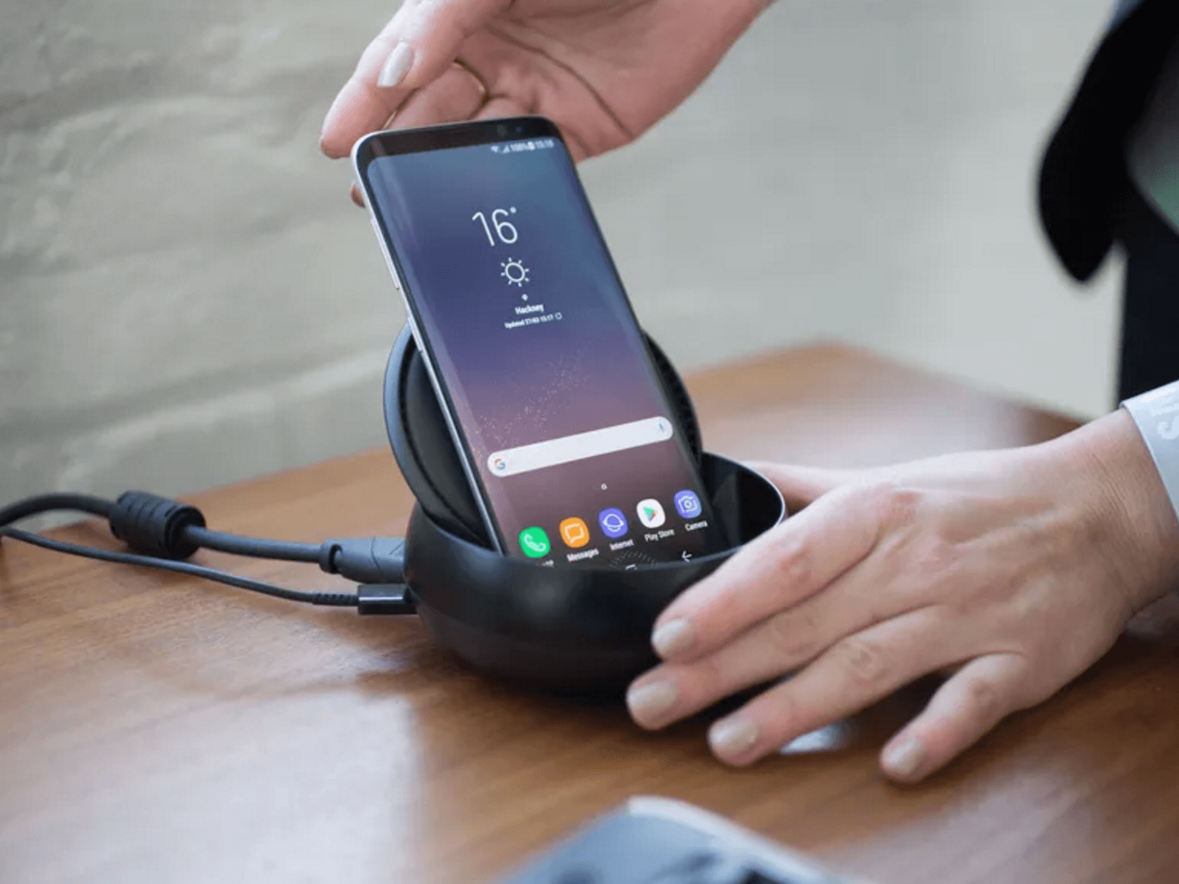 Source: thetechterminus - Galaxy S8 comes with the wireless new charging capabilities.